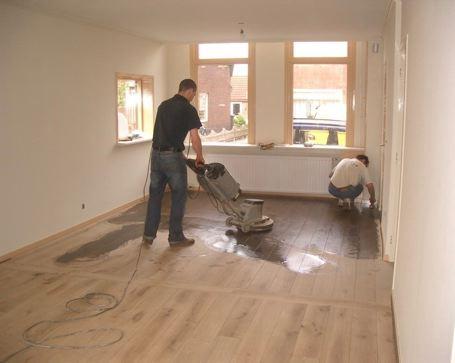 Parket renovatie en behandelen van parketvloeren houtinterieur