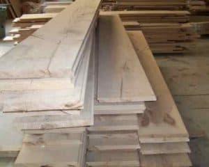 ruwe planken voor plankenvloer