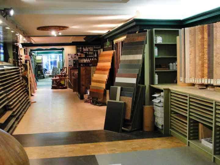 Showroom Houtinterieur Antwerpen, vakman in laminaat, plankenvloeren en parket