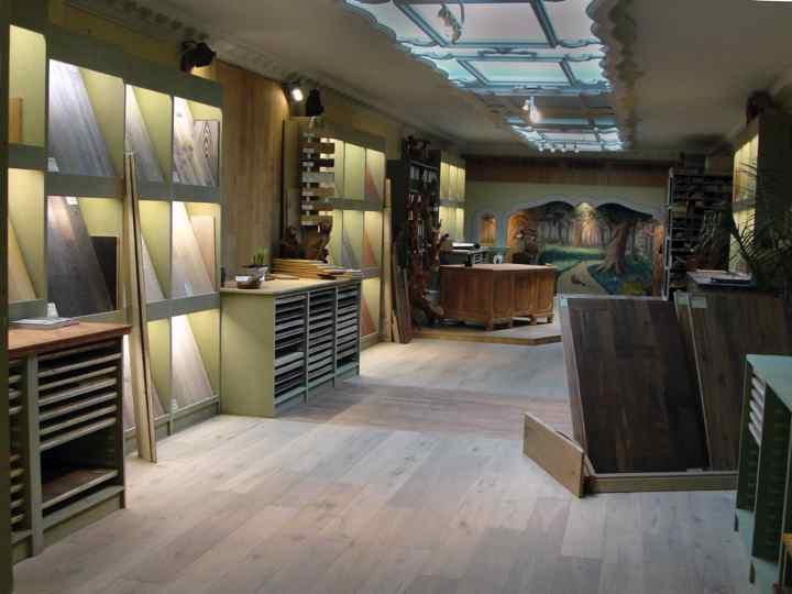 Toonzaal Houtinterieur Antwerpen, specialisit in parket en houten vloeren en wanden